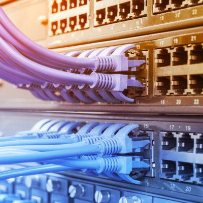 Netzwerktechnik Netzwerkverkabelung Switch Hub Firmennetzwerk Elektrik Elektrotechnik Ottow Elektro Thomas Kiel